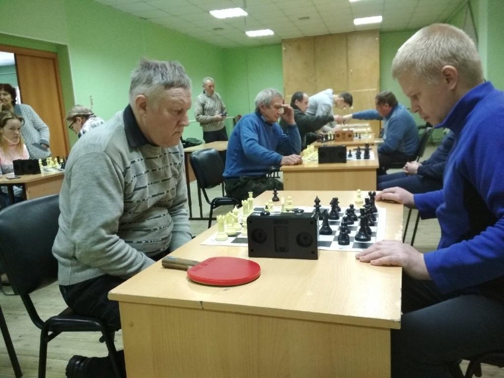 Изьваса водзынӧсь шахматын